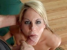 Courtney Simpson and Vanessa Michaels in a Hot Threesome!