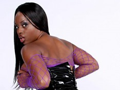 Jada Fire Has Her Legs Spread Wide Open!