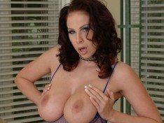 Gianna Michaels Takes on Two Cocks!