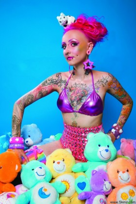 Nafrayou  nafrayou says snuggling with her teddy bears is as. Nafrayou says snuggling with her teddy bears is as soothing as getting fresh new ink! Check all files of this model with pleasant booty . Go to Skinz.com for tons of cutties like this!